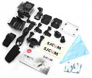 La SJCAM X1000 est accompagné d'un grand nombre d'accessoires.