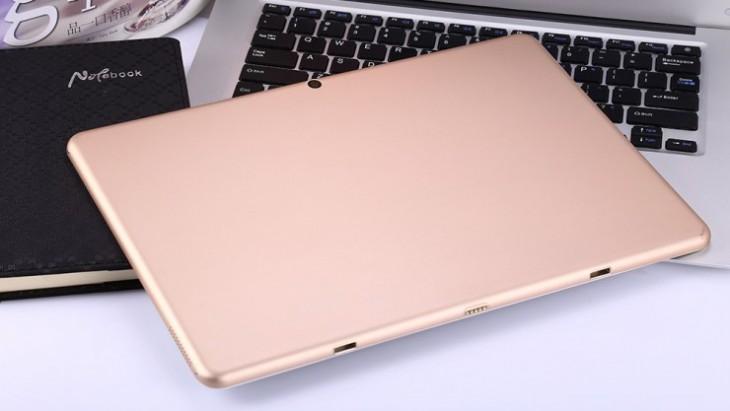 La tablette dispose aussi d'un système d'ancrage pour relier un clavier