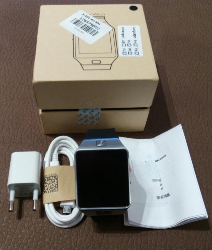 Contenu de la caisse de la Smartwatch DZ09
