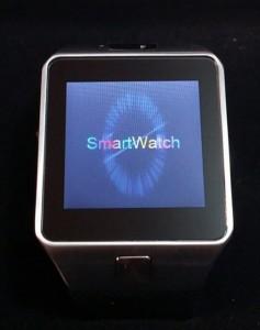 Écran de la Smartwatch DZ09 au démarrage