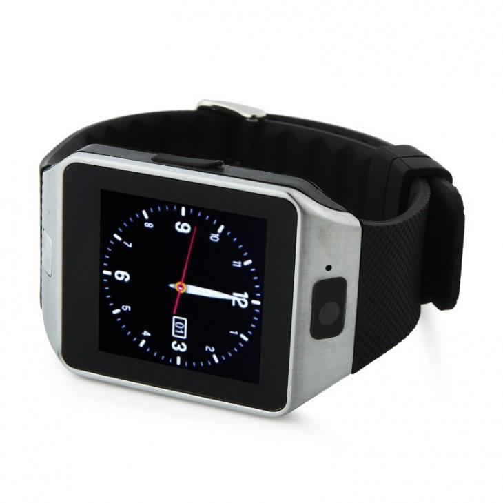La Smartwatch DZ09, une horloge intelligente chinoise bon marché mais complète